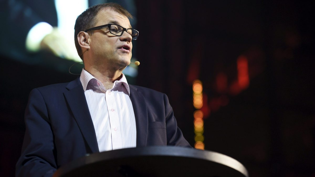 LKS 20151111 - Finland's Prime Minister Juha Sipilä speaking at the opening ceremony of the Slush 2015 in Helsinki, 11th of Nov. 2015. Slush is the focal point for startups and tech talent to meet with top-tier international investors, executives and media. LEHTIKUVA / Antti Aimo-Koivisto