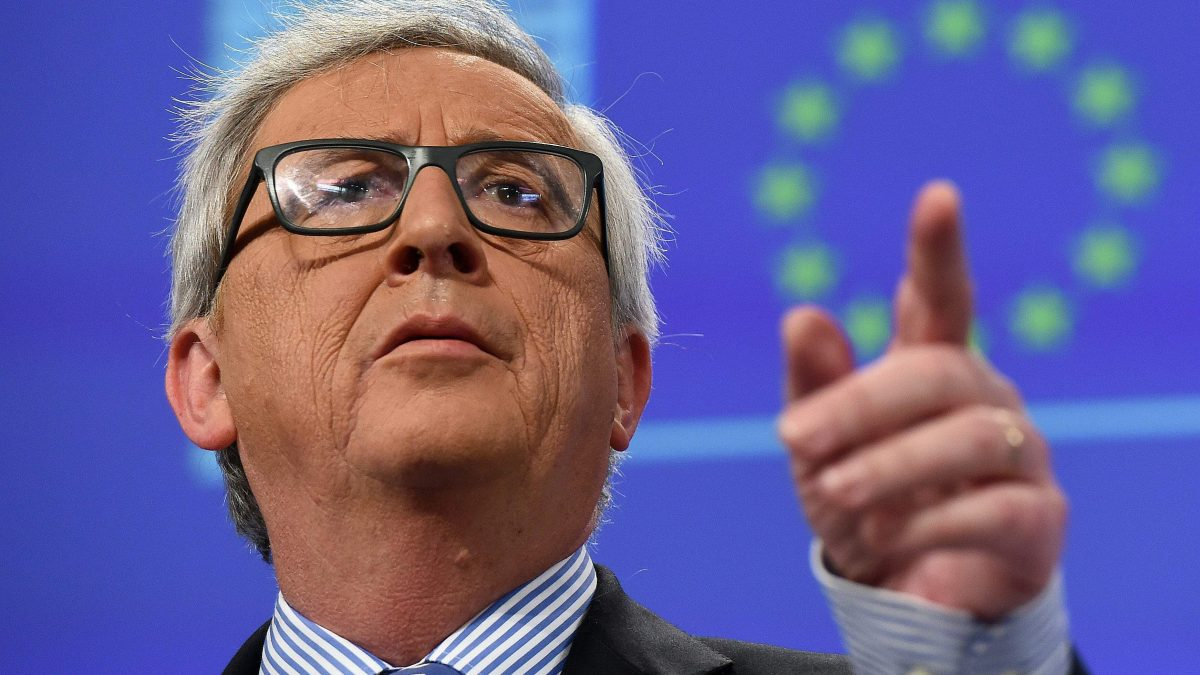LKS 20160115  ED7349; European Commission President Jean-Claude Juncker addresses a press conference at the European Commission in Brussels on January 15, 2016. / AFP / EMMANUEL DUNAND - LEHTIKUVA / AFP