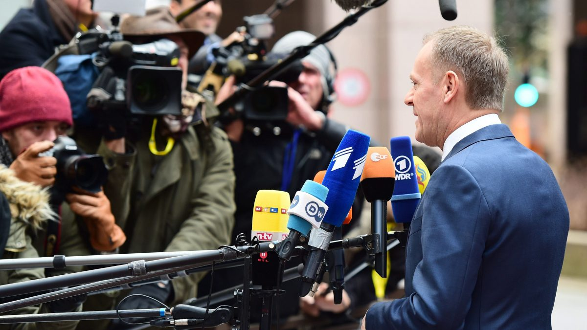LKS 20160218 AM008; European Council President Donald Tusk speaks to the press as he arrives for an EU summit meeting, at the European Union headquarters in Brussels, on February 18, 2016. EU leaders head into a make-or-break summit sharply divided over difficult compromises needed to avoid Britain becoming the first country to crash out of the bloc. LEHTIKUVA / AFP PHOTO / EMMANUEL DUNAND