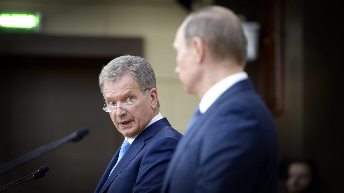 LKS 20160322 Finland's President Sauli Niinistö (left) and Russia's President Vladimir Putin during their press conference at the Novo Ogorjavo residence in Moscow, 22nd of March 2016.  LEHTIKUVA / MARTTI KAINULAINEN