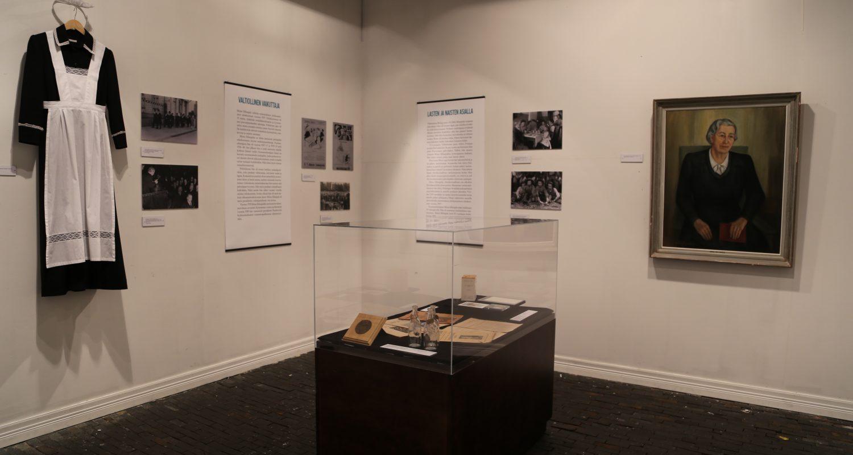 Työväenmuseo Werstaan Komuutti-galleriassa on esillä näyttely Miina Sillanpäästä. Kuva Ulla Rohunen.