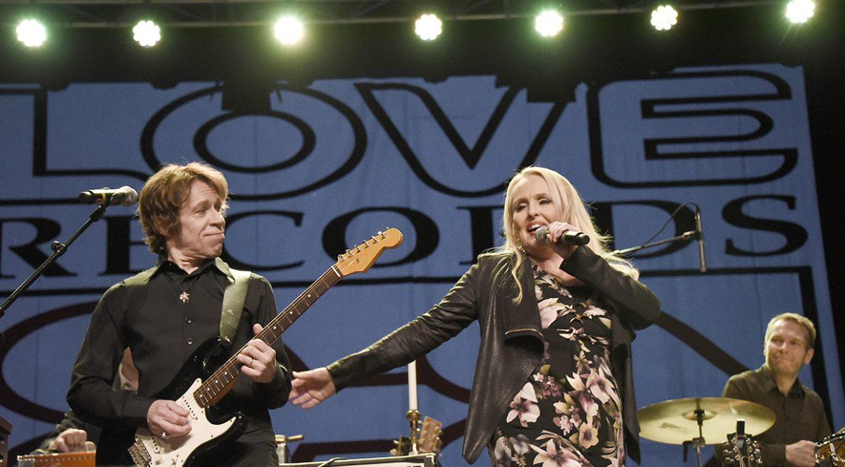 Maarit, ja Sami Hurmerinta hurmaushommissa Love-konsertissa.