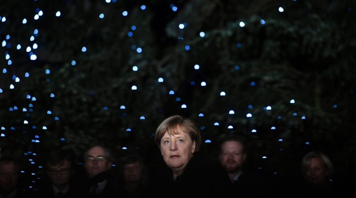 LKS 20161123 - German Chancellor Angela Merkel stands in front of the newly erected Christmas tree at the Chancellory on November 23, 2016. LEHTIKUVA / AFP PHOTO John Macdougall