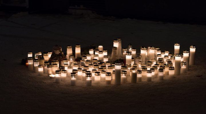 Candles in front of the restaurant Vuoksenvahti where three women were killed in a shooting incident in Imatra, Eastern Finland on Sunday, 4th December, 2016. LEHTIKUVA / HANNU RISSANEN