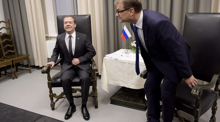 LKS 20161209 Russian Prime Minister Dmitry Medvedev and Finnish Prime Minister Juha Sipilä (R) met in Oulu, Finland on December 9, 2016. The prime ministers are to discuss bilateral relations and topical international questions during the visit. LEHTIKUVA / ANTTI AIMO-KOIVISTO