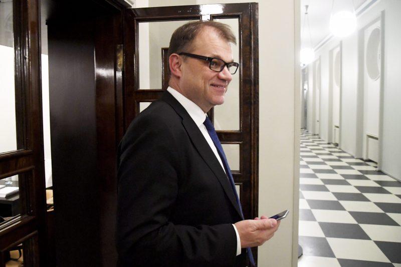 """Pääministeri iloitsee Väyrysen ehdokkuudesta – """"Itse pysyn Keskustan jäsenenä"""""""