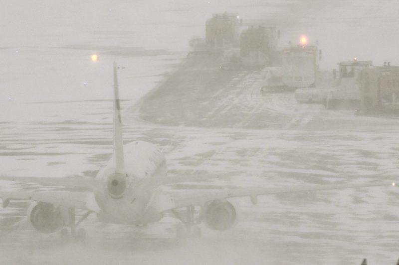 Pääkaupunkiseudulla karmea sää – lentojen myöhästymiset jatkuvat ainakin iltapäivään