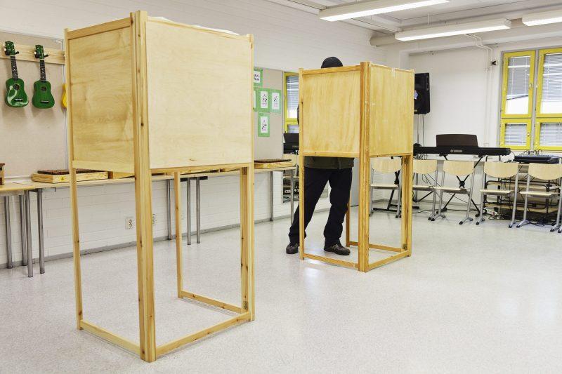 """Kaksi viidestä ei äänestänyt kuntavaaleissa – Tutkija: """"Suunta on huolestuttava"""""""