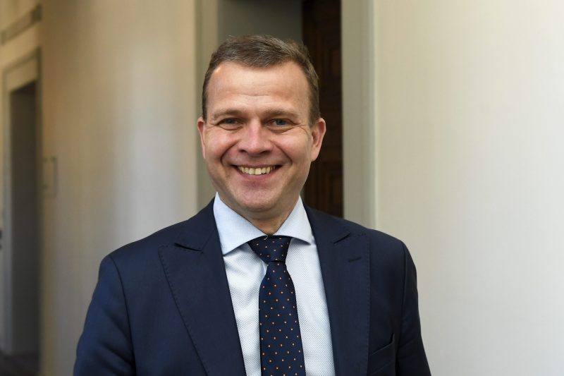"""Sanna Marin kysyi """"Eikö teitä hävetä?"""" ja sai kokoomuslaiset kimppuunsa – Petteri Orpo moukaroi eduskunnassa syyskuussa """"Eikö teitä hävetä?"""" ja puoluetoverit tukivat äänekkäästi"""