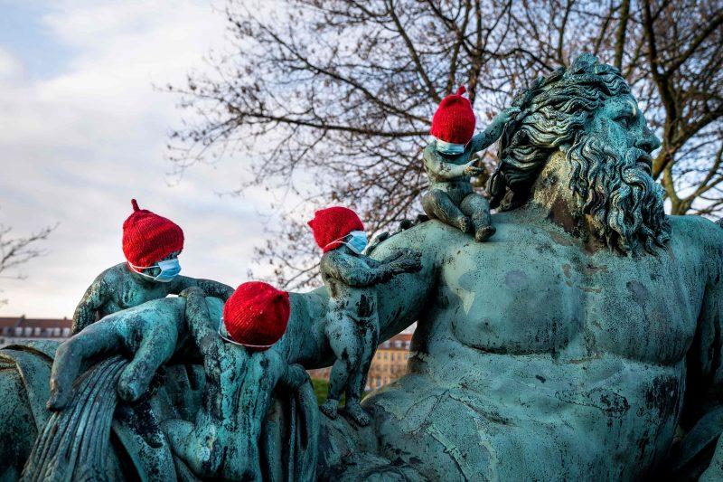 """Pääministeri: """"Pysykää kotona"""" – Tanska kiristi taas koronasääntöjä"""