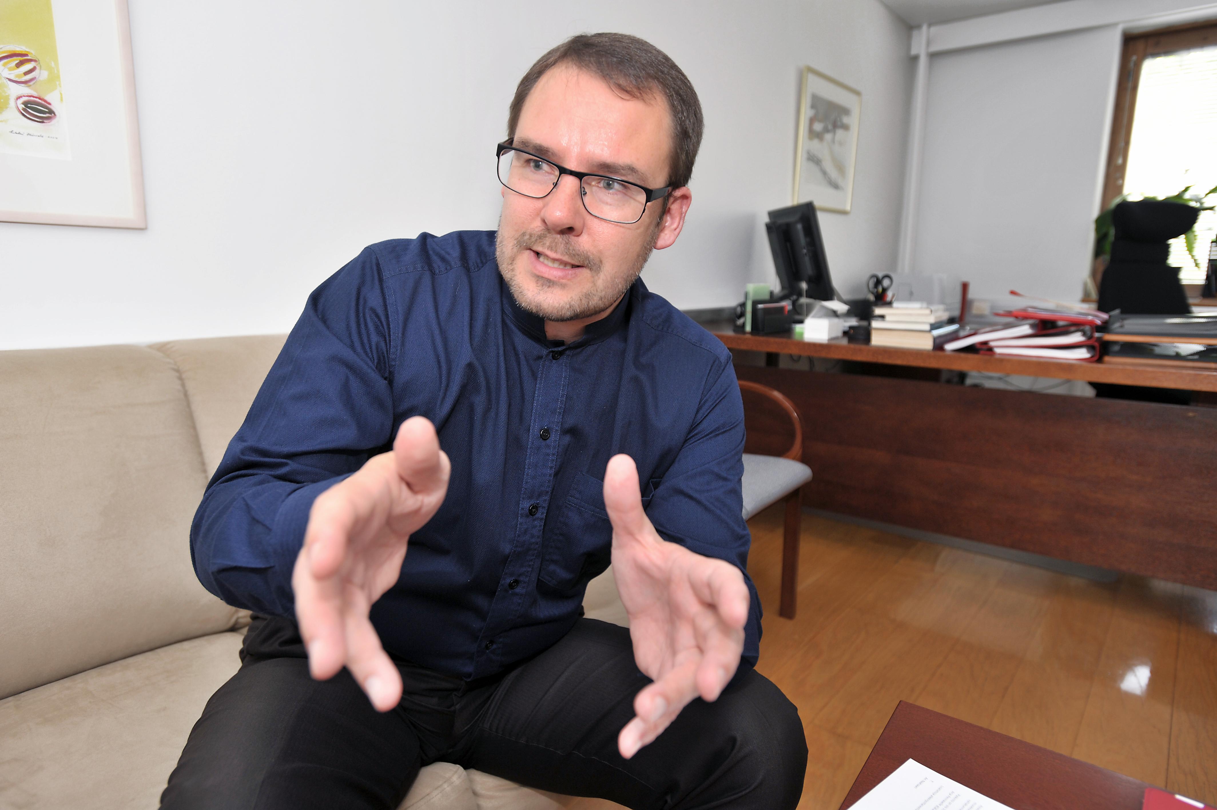 Puoluesihteeri Reijo Paananen muistuttaa, että gallupit ovat gallupeita.